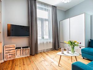 Apartament przy Monte Cassino Sopot - Mały kolorowy salon - zdjęcie od Marina Apartments