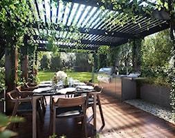 Pergola+w+ogrodzie+-+zdj%C4%99cie+od+Martyna