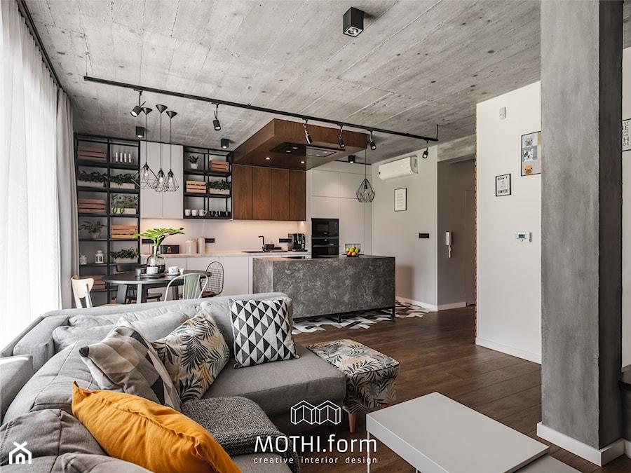 MOTHI.form ⋅ DOM W CHARAKTERZE INDUSTRIALNYM w Skawinie - Salon, styl industrialny - zdjęcie od MOTHI.form