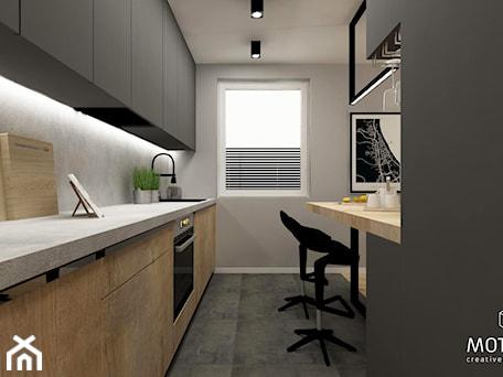 Aranżacje wnętrz - Kuchnia: Kuchnia - MOTHI.form. Przeglądaj, dodawaj i zapisuj najlepsze zdjęcia, pomysły i inspiracje designerskie. W bazie mamy już prawie milion fotografii!