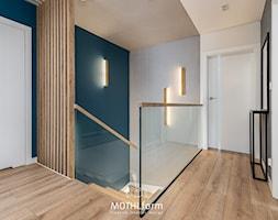 MOTHI.FORM ⋅ INSPIRUJĄCY DOM ⋅ BIBICE - Schody, styl nowoczesny - zdjęcie od MOTHI.form - Homebook