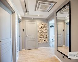 mieszkanie dla singla - Średni biały beżowy hol / przedpokój, styl minimalistyczny - zdjęcie od Tektura Studio