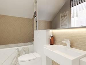 Dom w zabudowie bliźniaczej w Słupsku - Mała biała łazienka na poddaszu w domu jednorodzinnym z oknem - zdjęcie od Agata Hann Architektura Wnętrz
