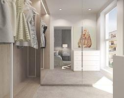 Mieszkanie w Słupsku w zabudowie szeregowej - Średnia garderoba z oknem przy sypialni, styl skandynawski - zdjęcie od Agata Hann Architektura Wnętrz