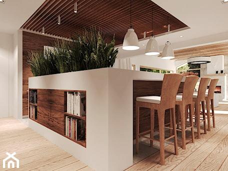 Aranżacje wnętrz - Kuchnia: Duża otwarta biała kuchnia z wyspą, styl rustykalny - Agata Hann Architektura Wnętrz. Przeglądaj, dodawaj i zapisuj najlepsze zdjęcia, pomysły i inspiracje designerskie. W bazie mamy już prawie milion fotografii!