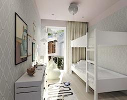 Mieszkanie w Słupsku w zabudowie szeregowej - Mały biały szary pokój dziecka dla chłopca dla dziewczynki dla rodzeństwa dla nastolatka, styl skandynawski - zdjęcie od Agata Hann Architektura Wnętrz