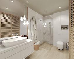 Mieszkanie w Słupsku w zabudowie szeregowej - Średnia biała łazienka na poddaszu w bloku w domu jedn ... - zdjęcie od Agata Hann Architektura Wnętrz - Homebook