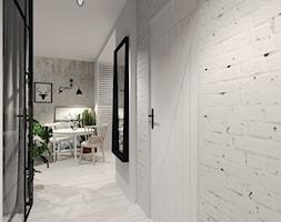 Mały biały szary hol / przedpokój, styl vintage - zdjęcie od Agata Hann Architektura Wnętrz