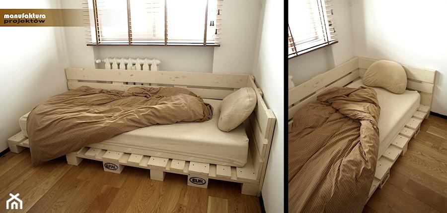 Palety na miarę - Mała sypialnia dla gości, styl industrialny - zdjęcie od Manufaktura Projektów