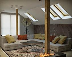 INTERIOR | Poddasze - Mały biały salon, styl nowoczesny - zdjęcie od Manufaktura Projektów