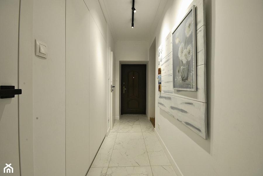 projekt domu z lat 30tych - Hol / przedpokój, styl nowoczesny - zdjęcie od Piotr Stolarek PROJEKTOWANIE WNĘTRZ