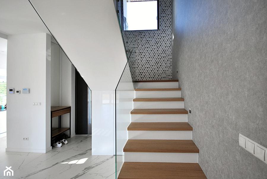 Dom na Złotnie - Hol / przedpokój, styl nowoczesny - zdjęcie od Piotr Stolarek PROJEKTOWANIE WNĘTRZ