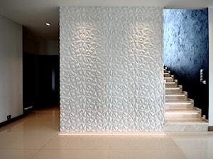 DOM NA W ŁODZI NA ZŁOTNIE - Średni biały hol / przedpokój, styl nowoczesny - zdjęcie od Piotr Stolarek PROJEKTOWANIE WNĘTRZ