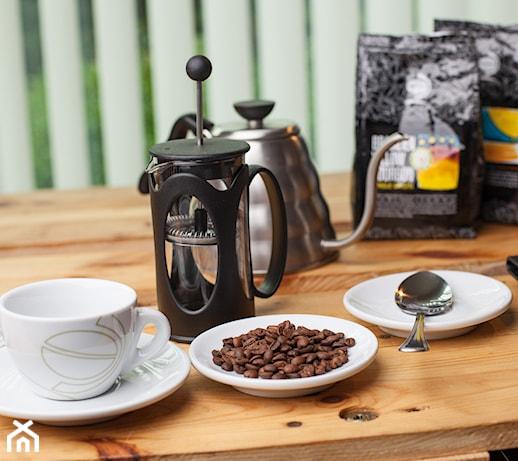 Fusy z kawy w ogrodzie i kuchni – 7 sposobów na wykorzystanie fusów po kawie