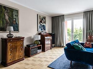 Dom w Gdańsku - Średni biały beżowy pomarańczowy salon, styl eklektyczny - zdjęcie od PracowniaPolka