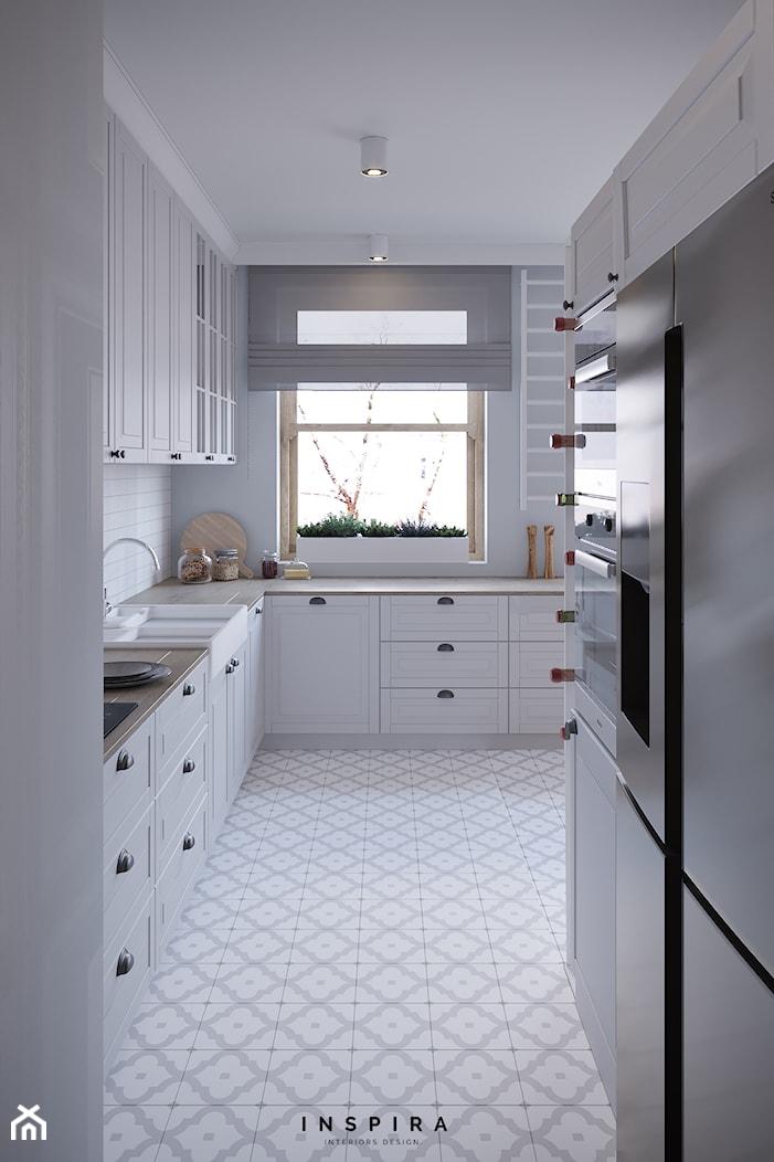 Sielankowa Prowansja - Średnia zamknięta szara kuchnia w kształcie litery l z oknem, styl prowansalski - zdjęcie od Inspira Design - Homebook