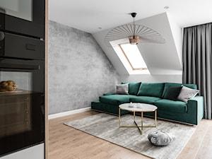 Zielona elegancja - Średni biały salon z kuchnią, styl nowoczesny - zdjęcie od Studio Projekt