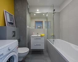 łazienka szarość złamana żółcią - zdjęcie od Michał Ślusarczyk