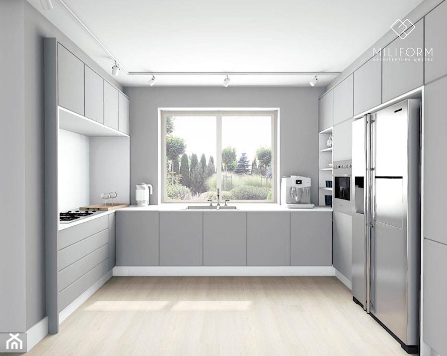 Kuchnia w szarościach  widok na lodówkę  zdjęcie od Miliform -> Kuchnia W Szarościach Inspiracje