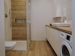 Łazienka z prysznicem - zdjęcie od ML Projekt