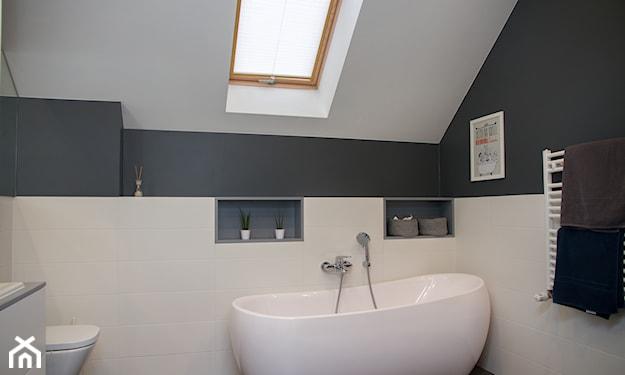 łazienka na poddaszu minimalistyczna