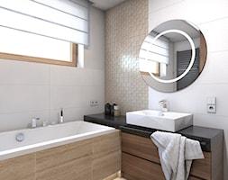 dom jednorodzinny Żyrardów - Średnia biała beżowa łazienka w domu jednorodzinnym z oknem, styl nowoczesny - zdjęcie od A2 STUDIO pracownia architektury