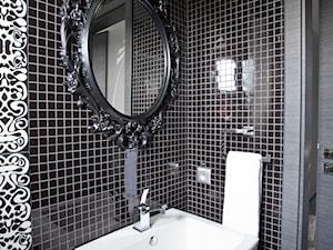 salon kąpielowy oraz toaleta w domu jednorodzinnym