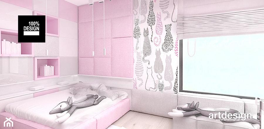 LITTLE BY LITTLE | II | Wnętrza domu - Średni biały szary pastelowy różowy pokój dziecka dla dziewczynki dla malucha, styl nowoczesny - zdjęcie od ARTDESIGN architektura wnętrz