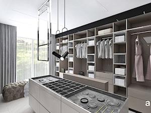 LEAVE NO STONE UNTURNED | II | Wnętrza domu - Duża garderoba z oknem, styl nowoczesny - zdjęcie od ARTDESIGN architektura wnętrz