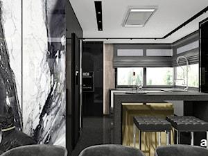 IN THE HEAT OF THE MOMENT | Wnętrza domu - Średnia zamknięta kolorowa kuchnia w kształcie litery u w aneksie z wyspą z oknem, styl nowoczesny - zdjęcie od ARTDESIGN architektura wnętrz