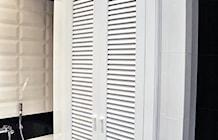 Zdjęcie: Czarno biała łazienka. Aranżacja łazienki glamour.