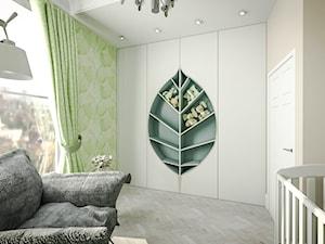 Klasyczny pokój chłopca z fototapetą - Średni szary zielony pokój dziecka dla chłopca dla dziewczynki dla niemowlaka, styl nowojorski - zdjęcie od JedyneTakieWnętrza