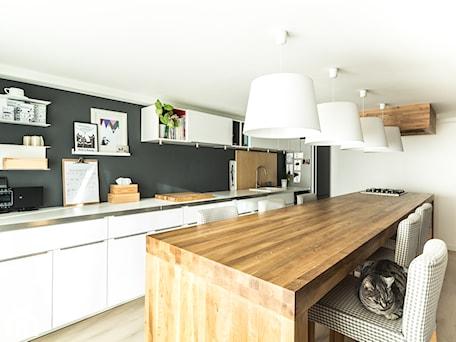 Aranżacje wnętrz - Kuchnia: Kuchnia w garażu - Jaworzno - stan obecny - Bednarski - Usługi Ogólnobudowlane. Przeglądaj, dodawaj i zapisuj najlepsze zdjęcia, pomysły i inspiracje designerskie. W bazie mamy już prawie milion fotografii!
