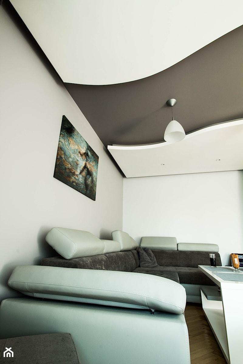 Nowoczesny salon w Chrzanowie - wykonanie www.twindesign.pl - zdjęcie od Bednarski - Usługi Ogólnobudowlane