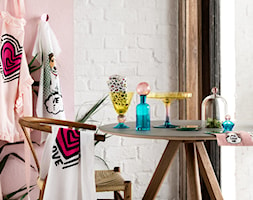 katalog wiosna 2015 - Mała zamknięta biała różowa jadalnia jako osobne pomieszczenie, styl eklektyczny - zdjęcie od H&M Home