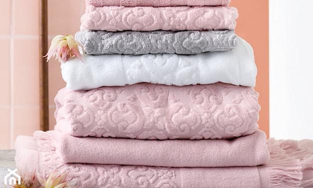 jasnoróżowe ręczniki