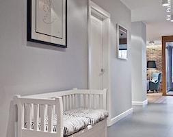Apartament Wille Parkowa 2 - Średni szary hol / przedpokój - zdjęcie od Superpozycja Architekci Dominika Trzcińska