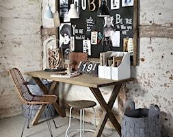 Miejsce do pracy - Średnie beżowe biuro kącik do pracy w pokoju, styl skandynawski - zdjęcie od agamartin.com