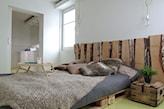 niskie łóżko z palet jak zrobić
