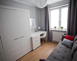 Mieszkanie pod wynajem I - Średnie szare biuro kącik do pracy w pokoju, styl skandynawski - zdjęcie od Studio Decorativa Design