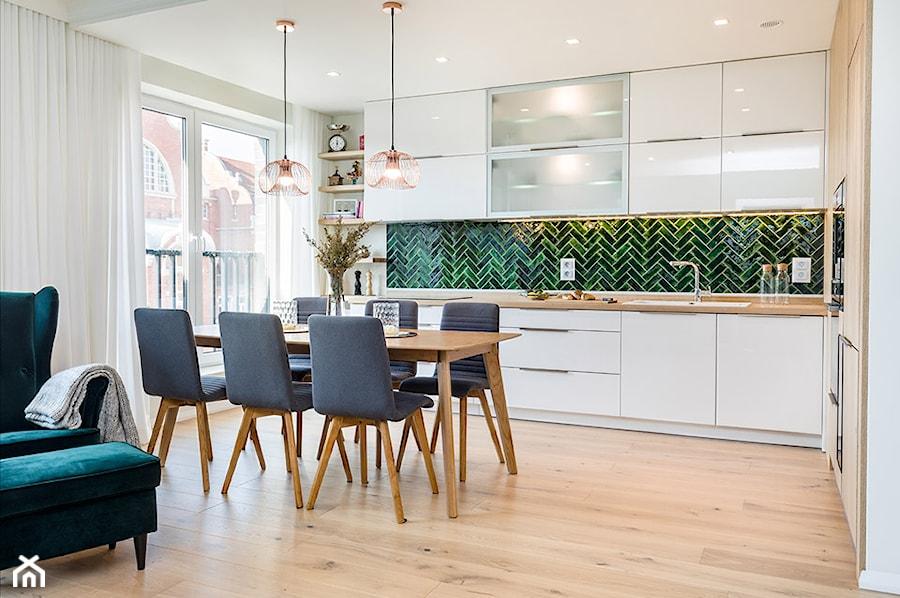 Kuchnia z jadalnią - zdjęcie od Monika Staniec Interior Design