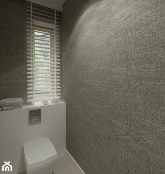 DOM W STYLU EKO WARSZAWA URSUS - Mała biała czarna łazienka w bloku w domu jednorodzinnym z oknem, styl minimalistyczny - zdjęcie od THE VIBE - Homebook