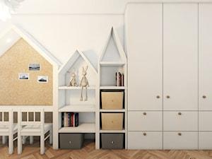 Jodełka Francuska - Mały biały pokój dziecka dla chłopca dla dziewczynki dla malucha, styl skandynawski - zdjęcie od Pracownia InSide