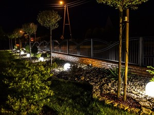 Świecące kule w ogrodzie - Ekotechnik24.pl - zdjęcie od 4FunDesign