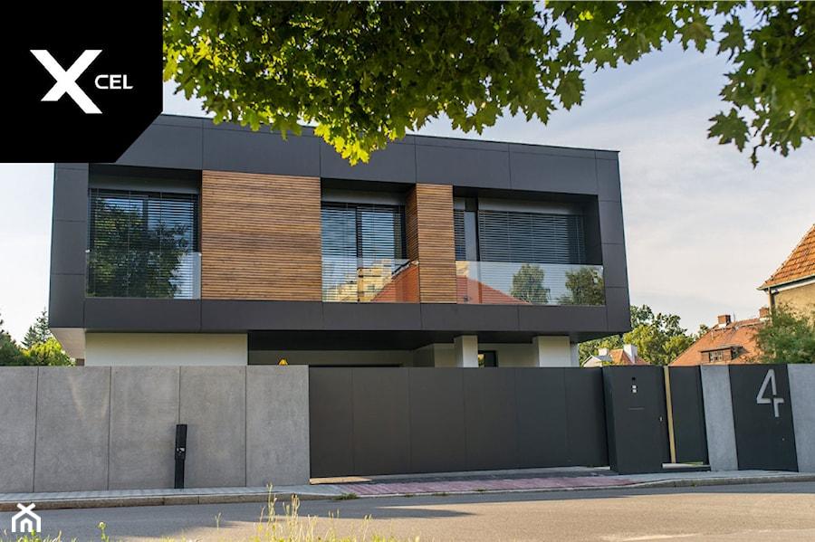 Brama i furtka Arete Pure, murki z betonu architektonicznego - zdjęcie od XCEL Ogrodzenia