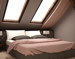 MIESZKANIE NA PODDASZU - Duża szara sypialnia małżeńska na poddaszu, styl klasyczny - zdjęcie od TAKE [DESIGN]