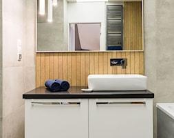 Łazienka z wanną i prysznicem. - zdjęcie od TAKE [DESIGN] - Homebook