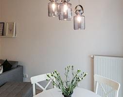 ODROBINA SKNDYNAWII - REALIZACJA - Średnia biała jadalnia w salonie, styl skandynawski - zdjęcie od TAKE [DESIGN] - Homebook