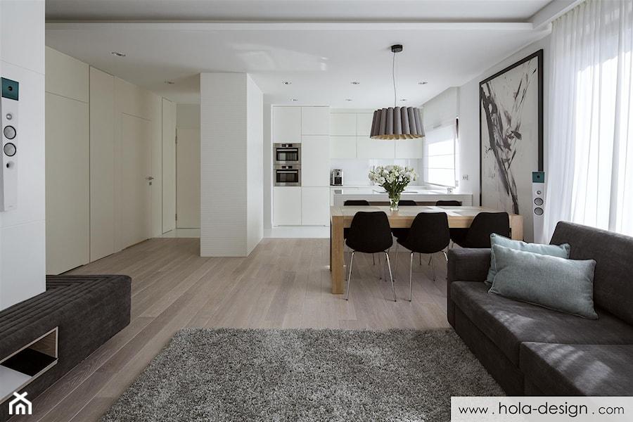 HOLA_19 - Średni biały salon z kuchnią z jadalnią, styl minimalistyczny - zdjęcie od HOLA DESIGN