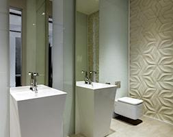 Rodzinna przestrzeń - Mała brązowa łazienka na poddaszu w bloku bez okna, styl nowoczesny - zdjęcie od HOLA DESIGN